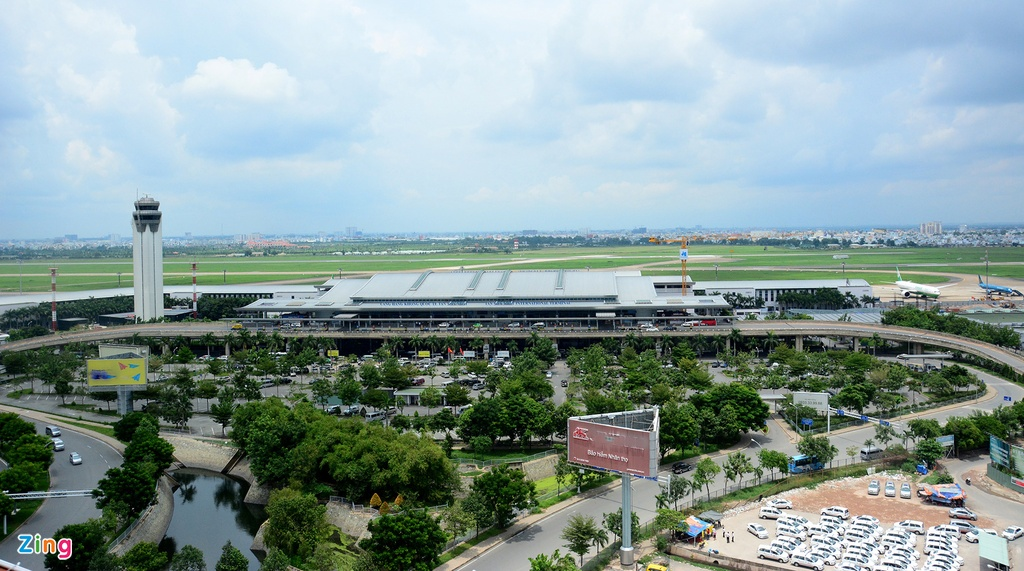 In pictures: Traffic congestion at HCM City's Tan Son Nhat airport worsens