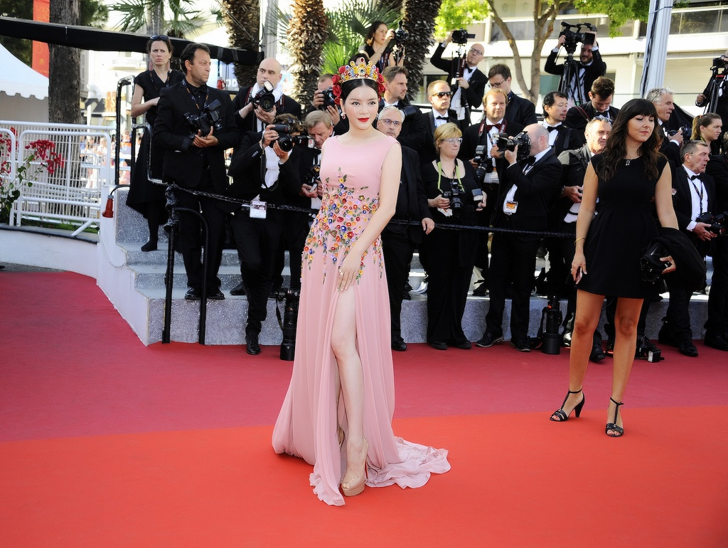 Ly Nha Ky hoa nu than tren tham do Cannes hinh anh 4