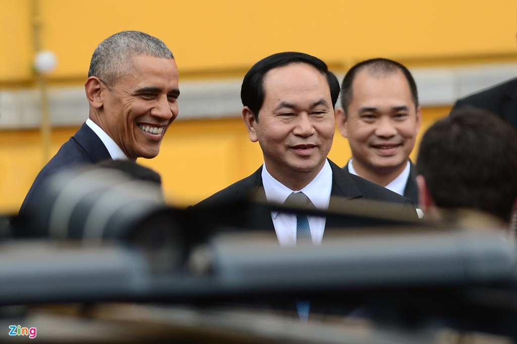 Chan dung nguoi phien dich cua Obama tai Viet Nam hinh anh 1
