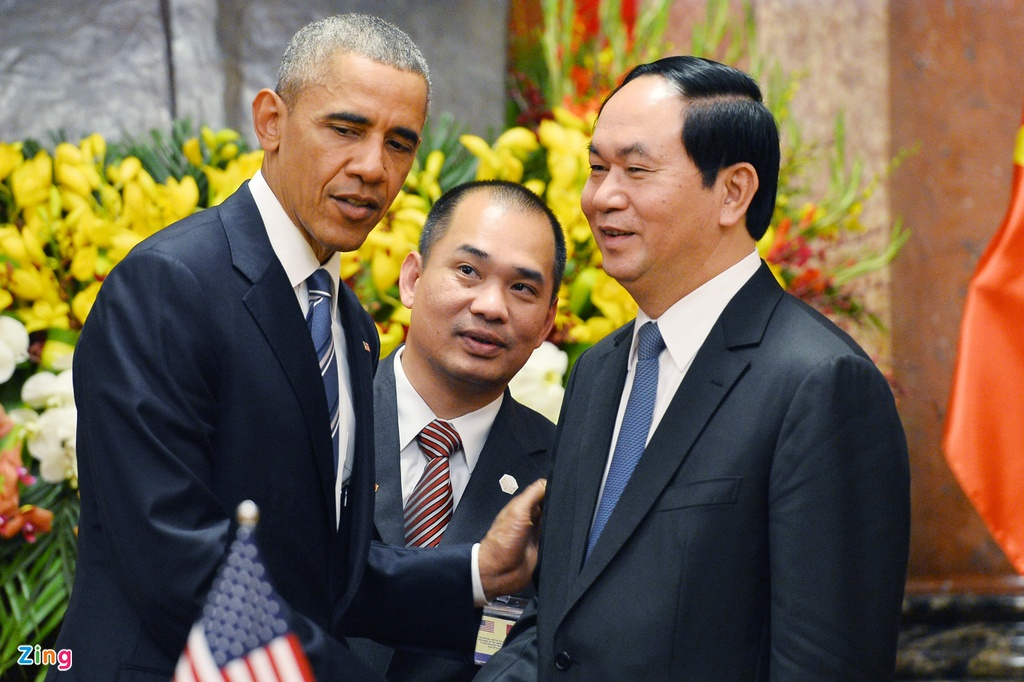 Chan dung nguoi phien dich cua Obama tai Viet Nam hinh anh 6