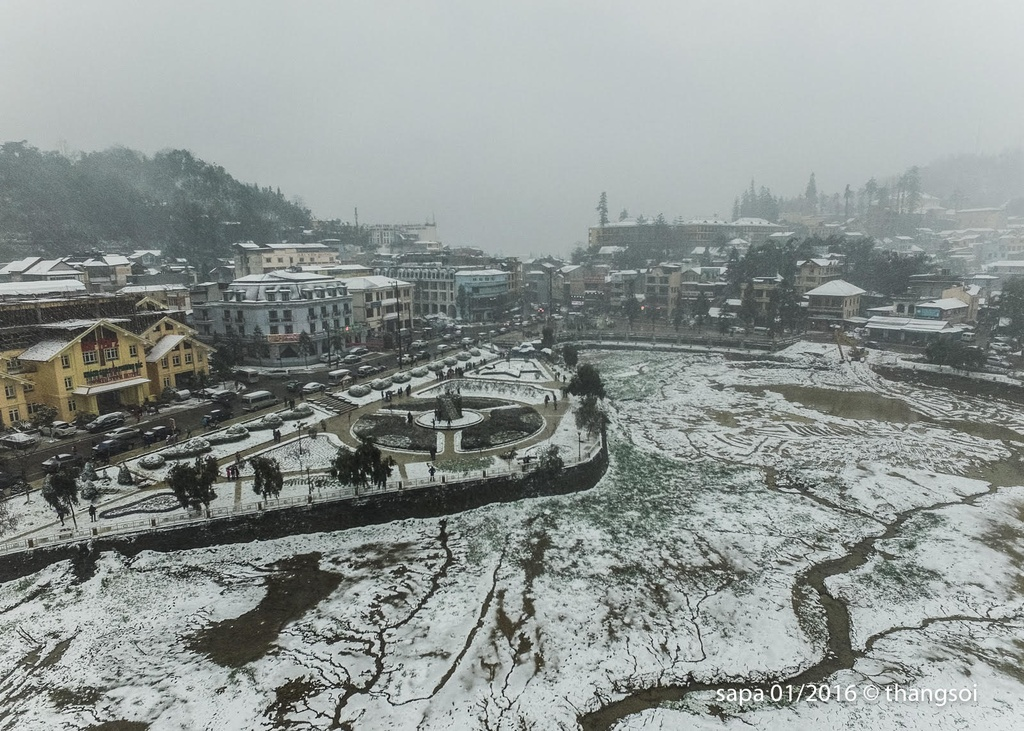 Aerial cameras: Sapa submerged in snow; local residents struggle against cold