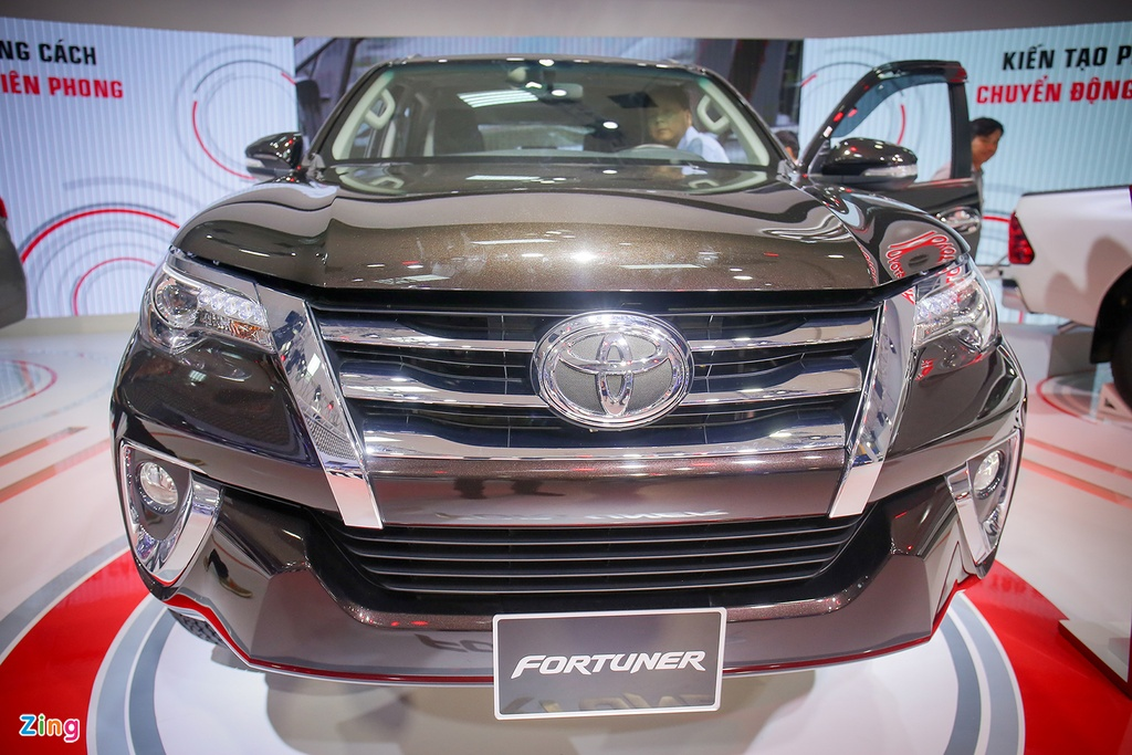Chi tiet Toyota Fortuner 2017: Them nhieu cong nghe an toan hinh anh 2