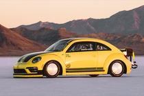 Volkswagen Beetle pha ky luc the gioi voi toc do 330 km/h hinh anh