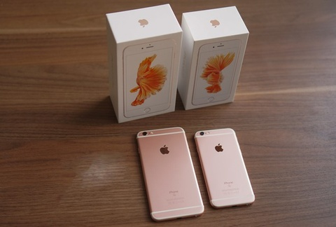 iPhone moi binh on gia, may cu lien tuc lao doc hinh anh