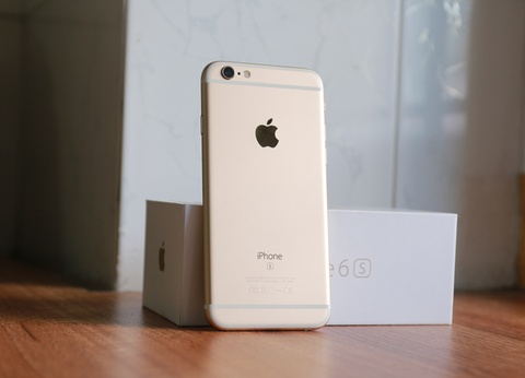 iPhone 7 ve nuoc, may doi cu giam gia o at hinh anh