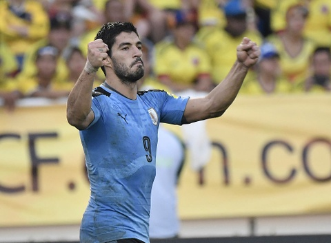 Luis Suarez can bang ky luc ghi ban vong loai World Cup hinh anh