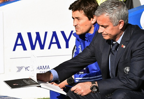 Chelsea thua nguoc Liverpool 1-3, Mourinho co the mat viec hinh anh