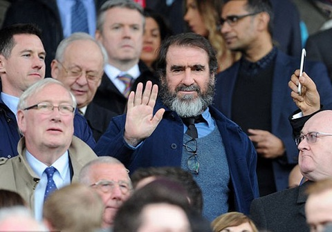 Eric Cantona khien san Old Trafford them nao nhiet hinh anh