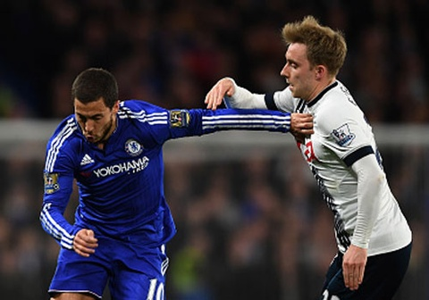 Chelsea hoa Tottenham 2-2, Leicester doat cup som 2 vong dau hinh anh