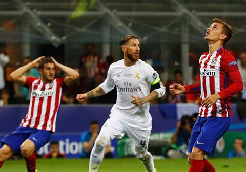 Real vs Atletico (1-0, H2): Griezmann sut hong penalty hinh anh