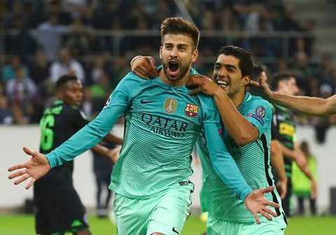 Barca vuon len dan 2-1, Man City san bang ty so 3-3 hinh anh