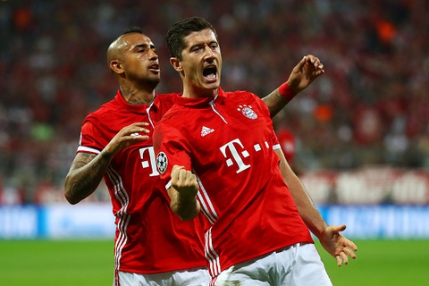 Song sat Mueller- Lewan lap cong, Bayern 'huy diet' doi thu hinh anh