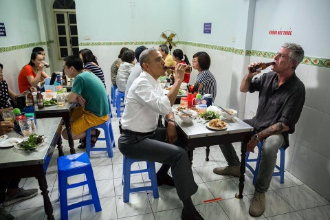 Anthony Bourdain: 6 dieu ve bua bun cha voi Obama hinh anh