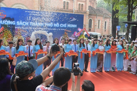 Duong sach TP HCM chinh thuc hoat dong hinh anh