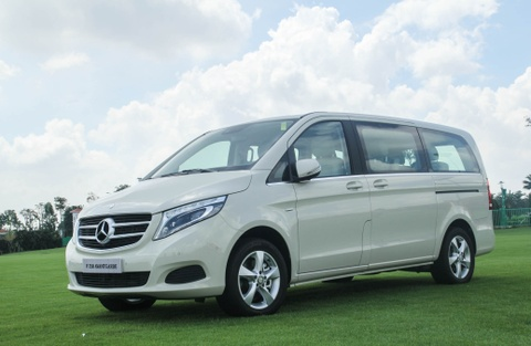 Chi tiet Mercedes V 250 gia 2,5 ty dong tai Viet Nam hinh anh