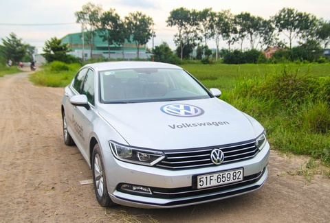 Volkswagen Passat: Sedan the thao danh cho nguoi tre hinh anh