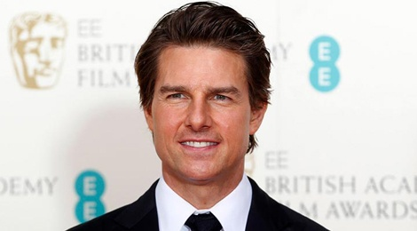 Tom Cruise thue may bay rieng cho do tap gym hinh anh