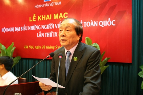 Nhieu cay viet tre mai chay theo thi truong hinh anh