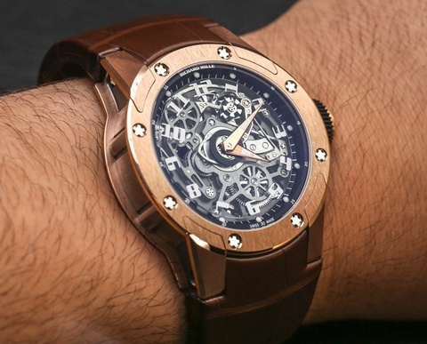 Dong ho 'treo thoi gian' Richard Mille RM63-01 Dizzy Hands hinh anh