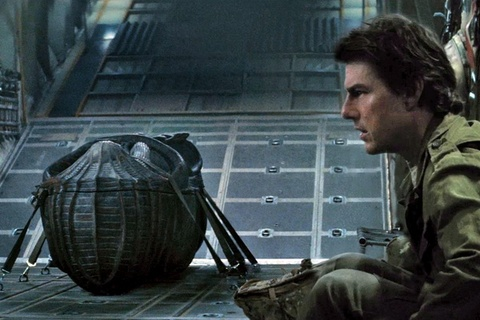 Tom Cruise chet di song lai trong trailer 'Xac uop Ai Cap' hinh anh