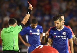 Chelsea vs Liverpool (1-0): Fabregas nhan the do truc tiep hinh anh
