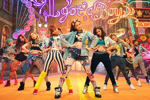 SNSD lap ky luc tren YouTube hinh anh