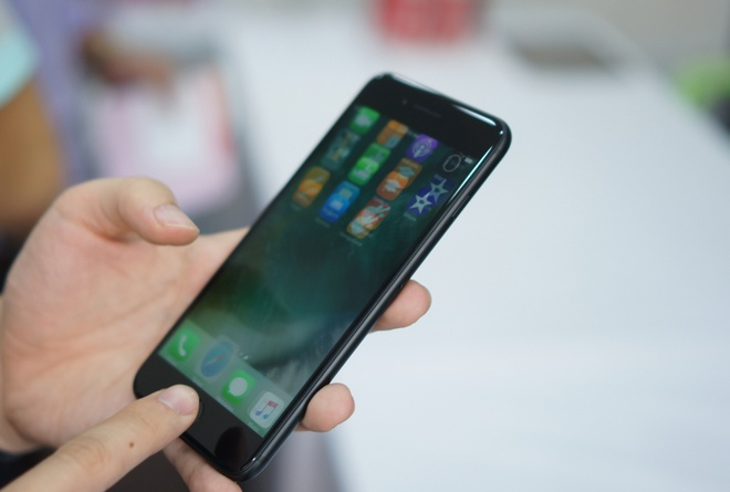 iPhone 7 Plus dung dau top 10 smartphone manh nhat the gioi hinh anh 2