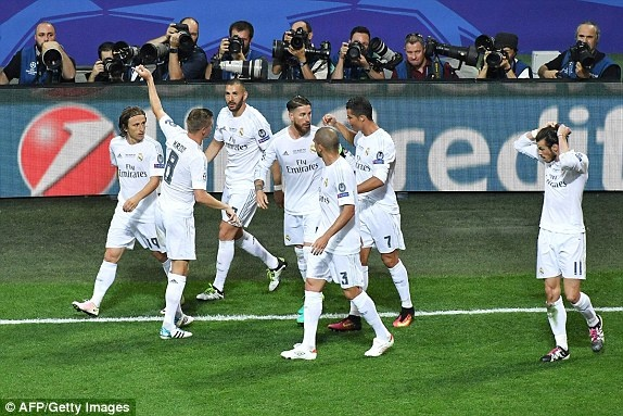 Real vo dich Champions League sau loat penalty may rui hinh anh 1