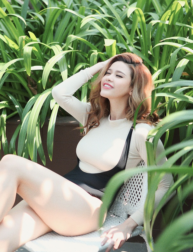 Truong Quynh Anh goi cam ben be boi hinh anh 4