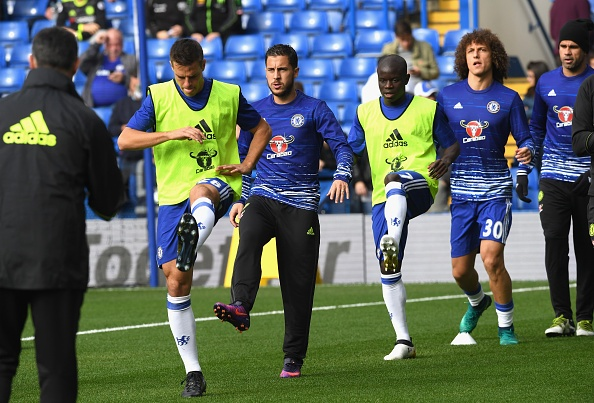 Chelsea 3-0 Leicester: Giai nguy cho Antonio Conte hinh anh 9