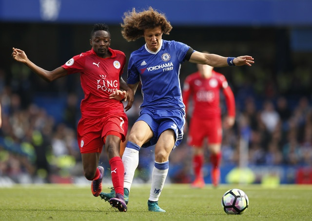 Chelsea 3-0 Leicester: Giai nguy cho Antonio Conte hinh anh 24