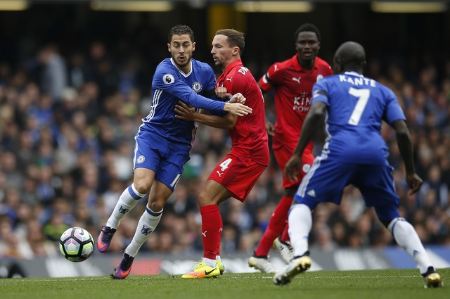Chelsea 3-0 Leicester: Giai nguy cho Antonio Conte hinh anh 15