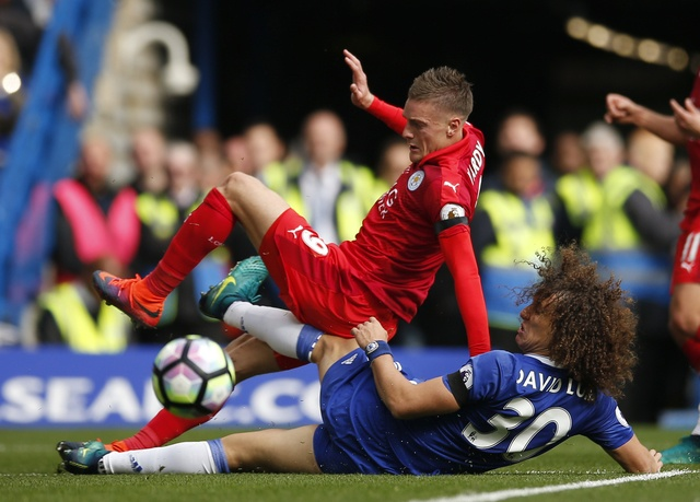 Chelsea 3-0 Leicester: Giai nguy cho Antonio Conte hinh anh 21