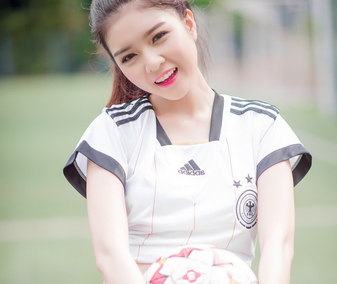 Hot girl Lilly Luta, Vietnamese hot girl Lilly Luta, Vietnamese beautiful girls with World Cup 2014.