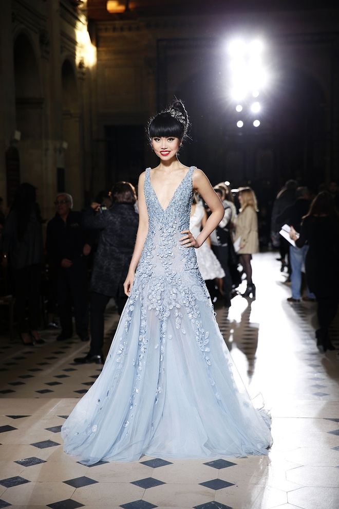 1Jessica_Minh_Anh_at_Tony_Ward_Couture_P