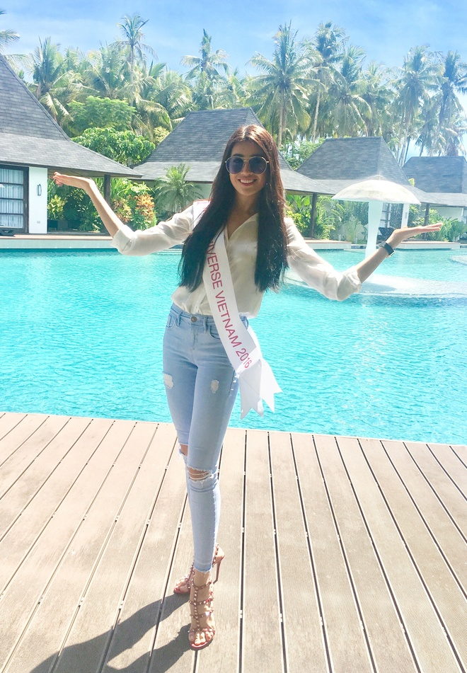Le Hang mac goi cam giao luu cung thi sinh Miss Universe hinh anh 6