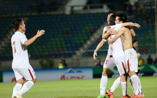 Thang Singapore 3-0, Viet Nam vo dich cup tu hung hinh anh 3