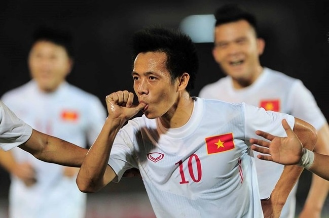 Trao luu ma-no-canh lan rong o AFF Cup hinh anh 1