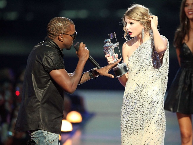 Kanye West: 'Su co voi Taylor Swift pha nat cuoc doi toi' hinh anh 1