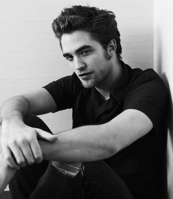 http://img.v3.news.zdn.vn/w660/Uploaded/nutmjz/2013_12_09/Robert_Pattinson1giaoducnetvn.jpg
