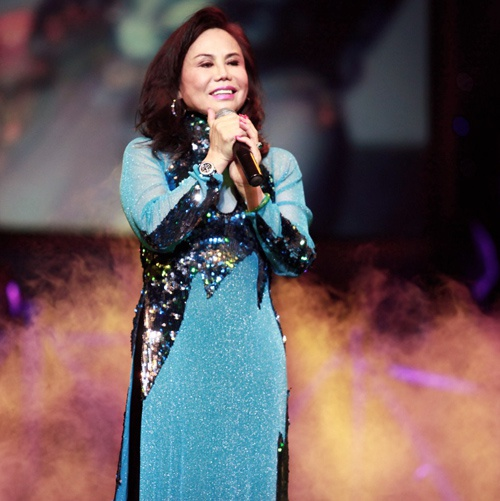 Danh ca Thanh Tuyen ve nuoc lam show ung ho mien Trung hinh anh 1