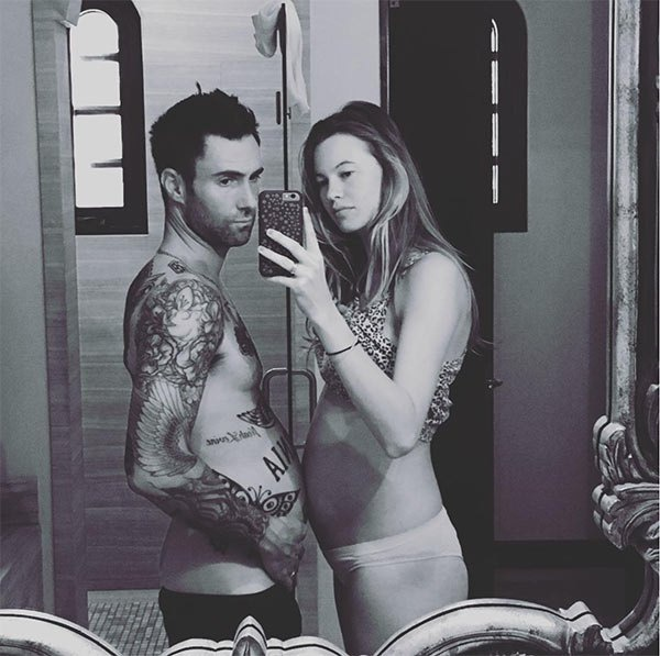 Adam Levine va Behati Prinsloo don con gai dau long hinh anh 1