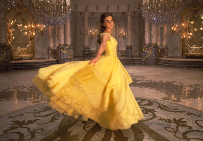 Emma Watson dep hut hon trong trailer 'Beauty and the beast' hinh anh 2