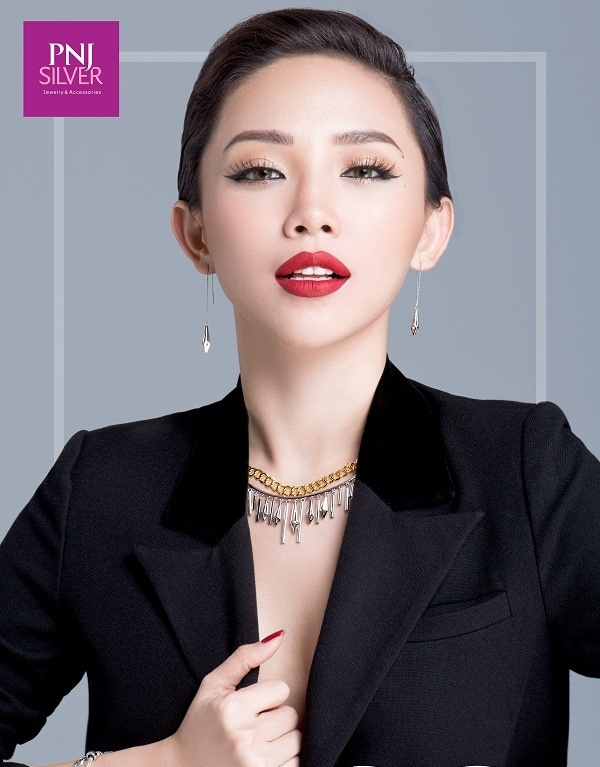 Toc Tien goi y cach mix do voi trang suc tinh te hinh anh 6