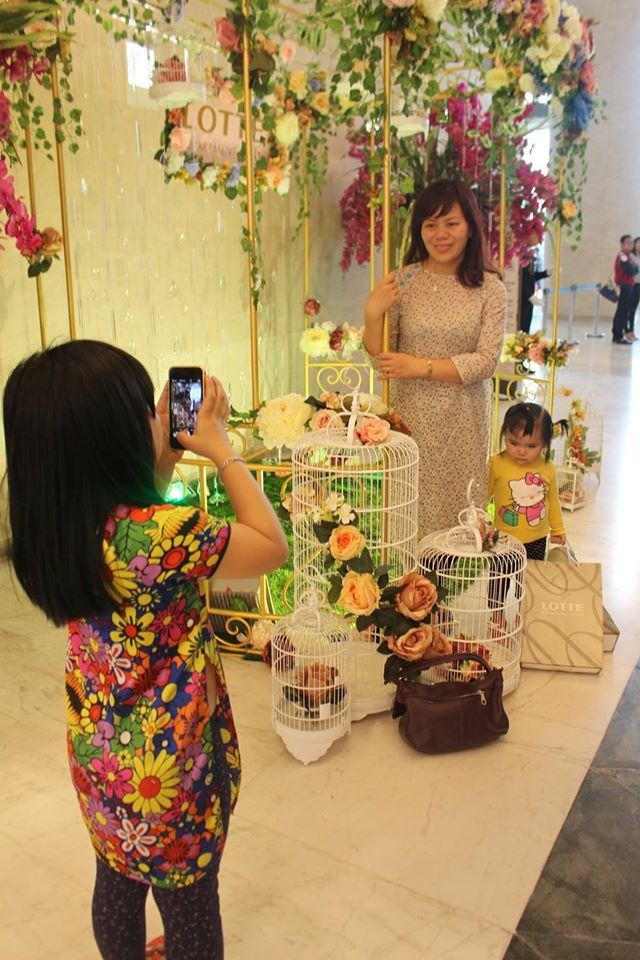Le hoi ao dai doc dao tai Lotte Department Store hinh anh 5