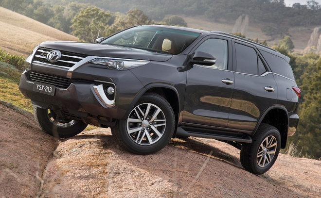 2016ToyotaFortuner3.jpg